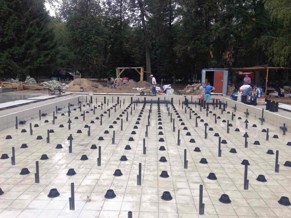 Регулируемые опоры в монтаже фонтана